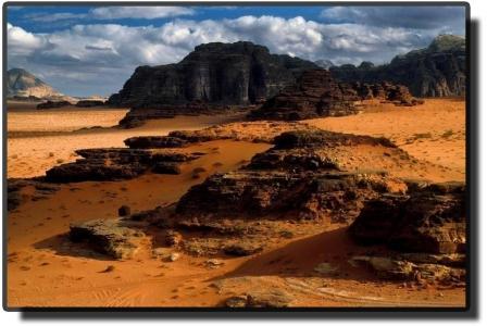 Пустыня Вади Рам - скалы