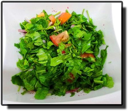 Салат из рукколы.